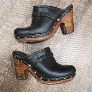 Ugg Kaylee black leather wooden clogs size 8